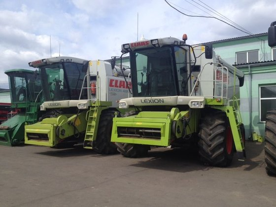 2002 CLAAS Lexion 480 combine-harvester