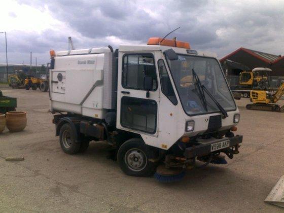 2000 SCARAB MINOR road sweeper
