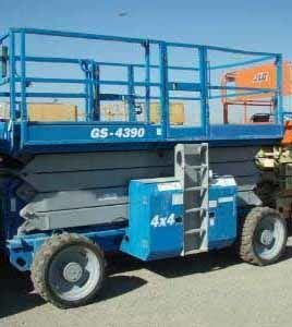 2004 GENIE GS4390RT scissor lift