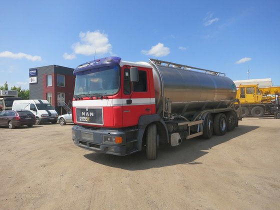 1999 MAN 32.343 milk tanker