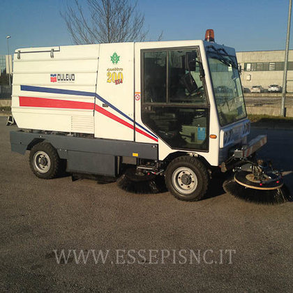 DULEVO 200/4 road sweeper in