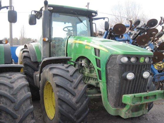 2011 JOHN DEERE 8320R wheel
