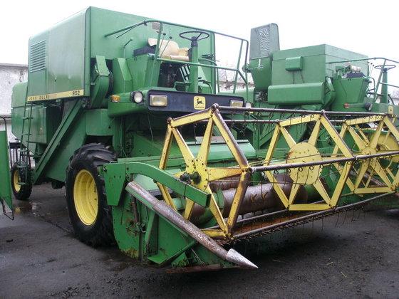 1980 JOHN DEERE 952 combine-harvester