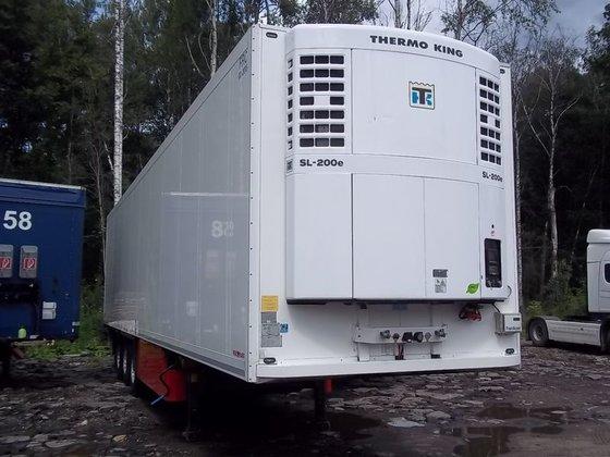 2009 SCHMITZ refrigerated semi-trailer in