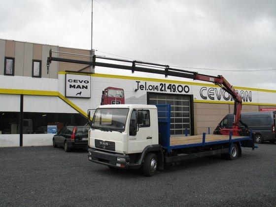 2004 MAN LE12.220 platform truck