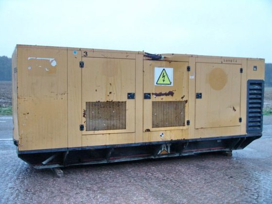 2003 CATERPILLAR 455KVA generator in
