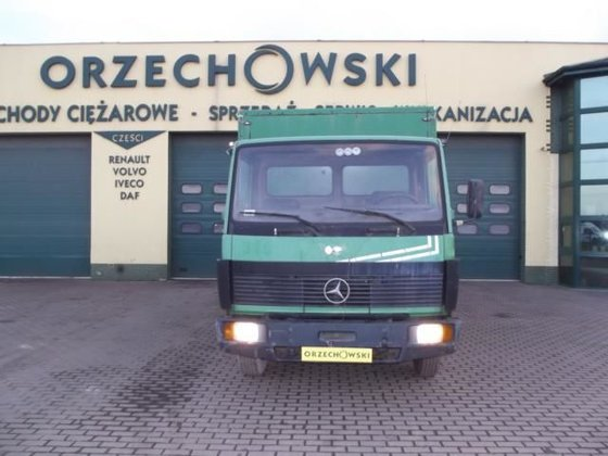 1994 MERCEDES-BENZ 809 D closed