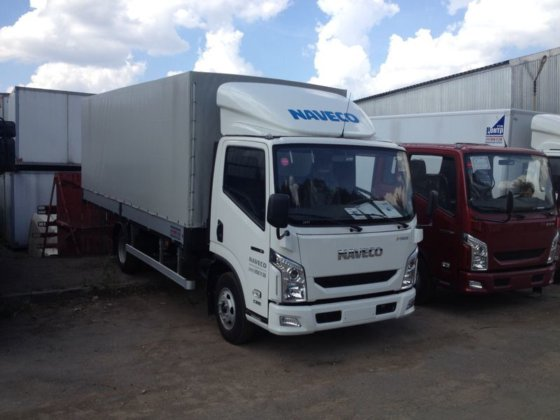 2015 IVECO C-300 tilt truck