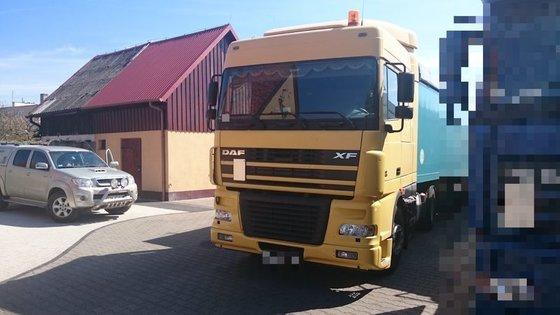 2003 DAF XF tractor unit