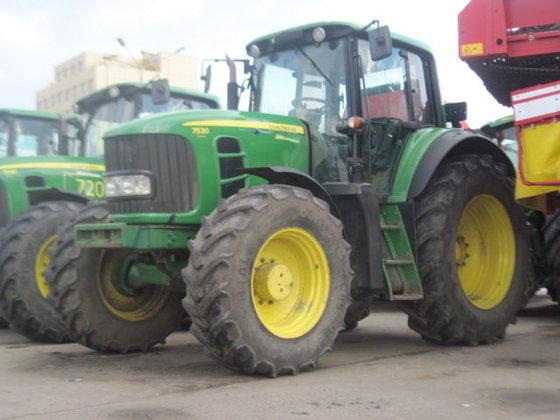 2010 JOHN DEERE 7530 wheel