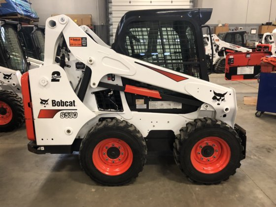 2017 Bobcat S590 in Madison, WI, USA