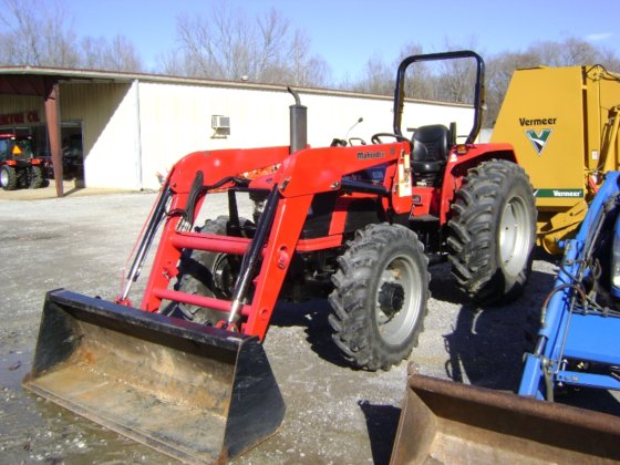 2013 Mahindra 6530,Diesel,4WD in Paris, TN, USA