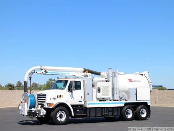 1999 Sterling L7500 with Vac-Con