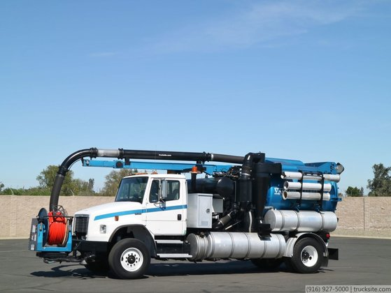 2000 Freightliner FL80 with Vactor