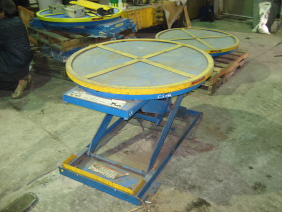 Lifting Tables 1608 in Painesville,