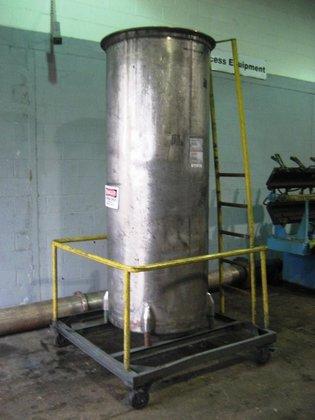 400 gallon Stainless steel Tanks