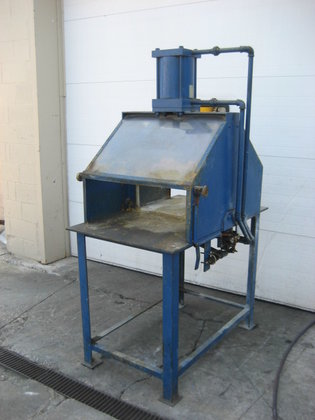 Guillotine Cutter 2328 in Painesville,