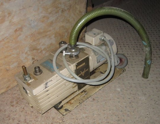 Stokes Vacuum Pump 2740 in