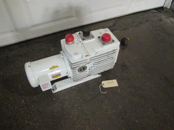 1.5 hp Leybold-Heraelus Vacuum Pump