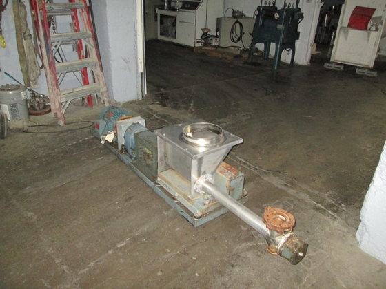 "2.5"" dia. Vibra Screw Feeder,"