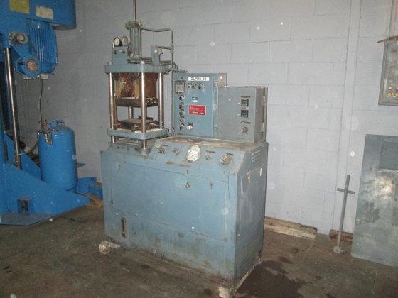 Hull 4-Post Hydraulic Press, 12