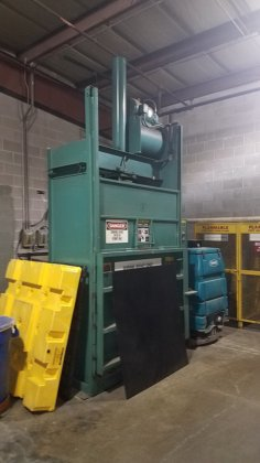 harris selco vertical baler 3905 in painesville oh usa rh machinio com Selco Baler Parts Selco Vertical Baler Used