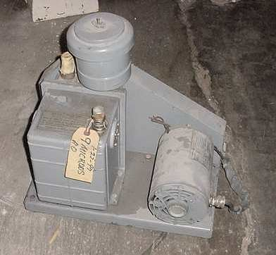 Welch Scientific Co. Vacuum Pump