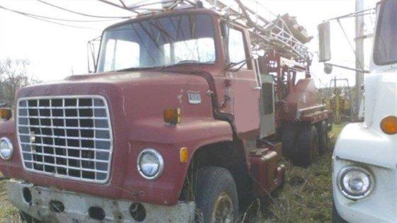 1972 Cyclone 35R Drill Rig