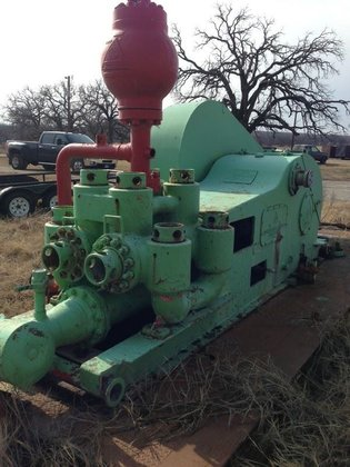 Emsco D-375 Duplex Mud Pump
