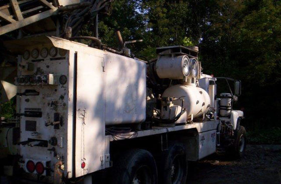 1994 Driltech D25K3W Drill Rig