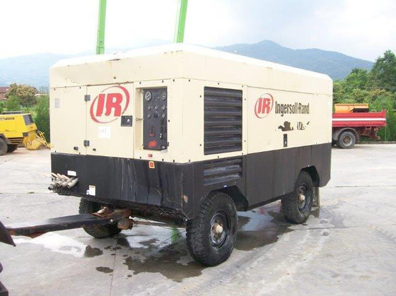2005 Ingersoll-Rand 21/215 Air Compressor