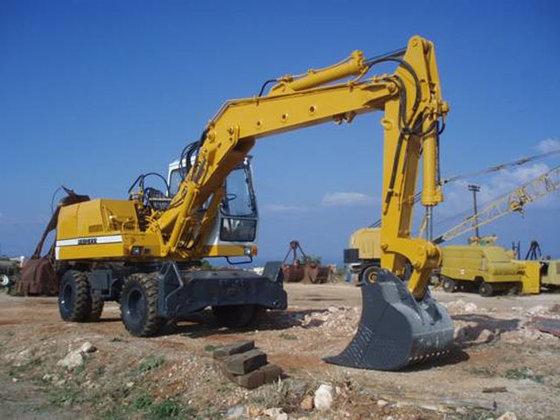 Liebherr 912 Excavator #3341 in
