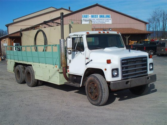 1986 International S1900 Flatbed Truck