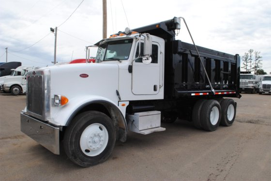 2011 PETERBILT 367 in Covington, TN, USA