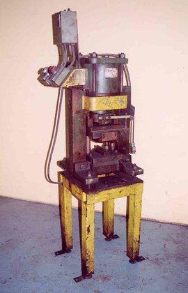 Whitney 609 CUTOFF MACHINE in