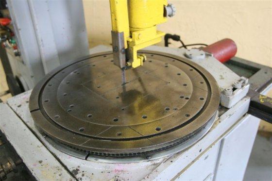 "18 "" AMADA MODEL VAC-500"