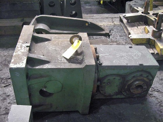 GIDDINGS & LEWIS MILLING HEAD