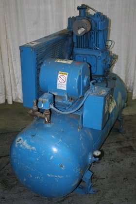 5 HP QUINCY AIR COMPRESSOR