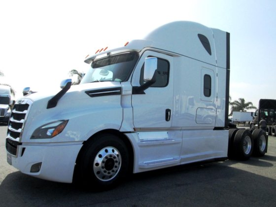 2019 FREIGHTLINER CASCADIA 126 in Carson, CA, USA