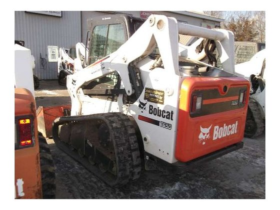 2010 Bobcat T650 Loader in