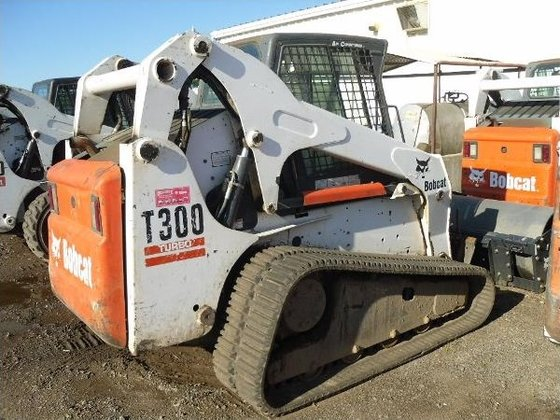 2005 Bobcat T300 Skid-Steer Loader