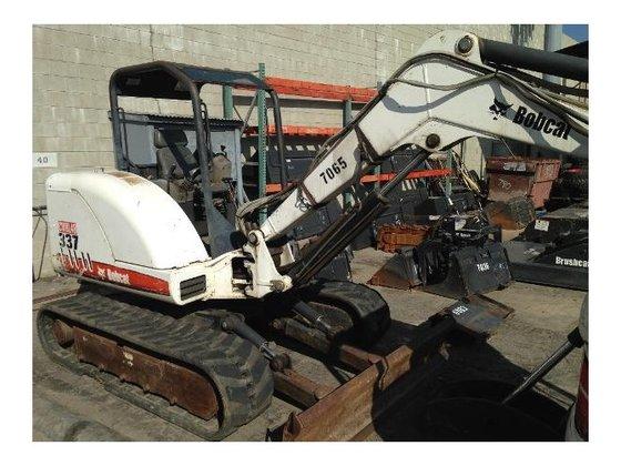 2005 Bobcat 337 Excavator in