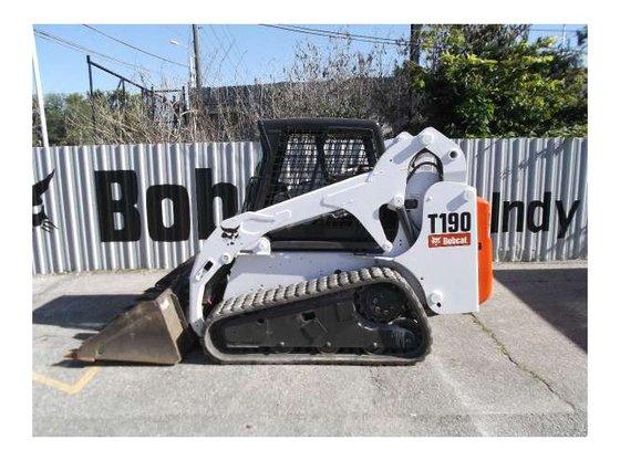 2004 Bobcat T190 Loader in