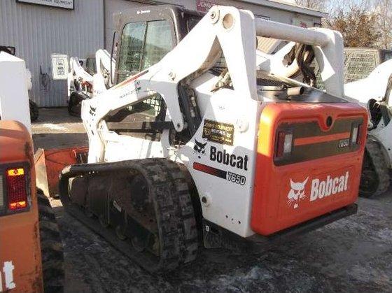 2010 Bobcat T650 Loader in