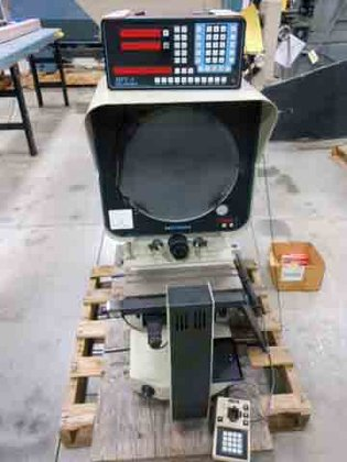 1997 DELTRONIC DH214 OPTICAL COMPARATOR