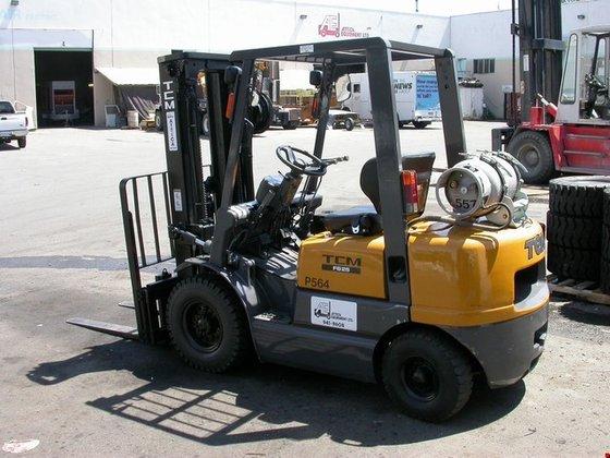 2001 TCM FG25 LP Gas
