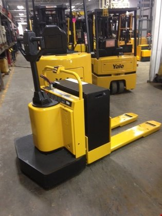 Yale Electric Electric Walkie/Rider Pallet