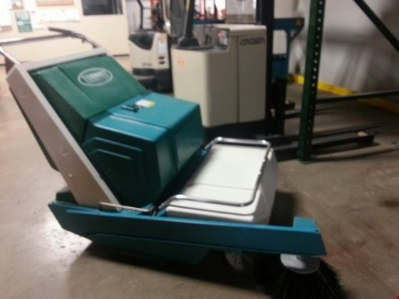 Tennant 140E Electric Sweepers &