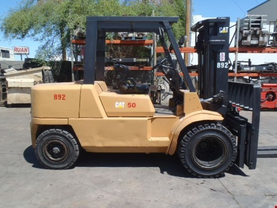 2005 Cat DP50K Diesel Pneumatic