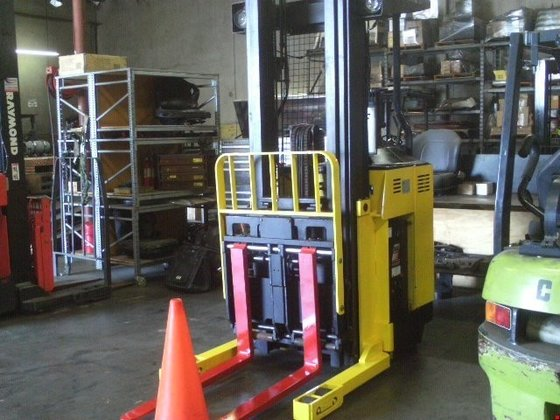 2000 Hyster N40XMR Electric Electric